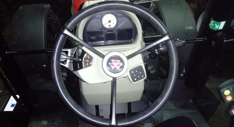 Intérieur cabine MF